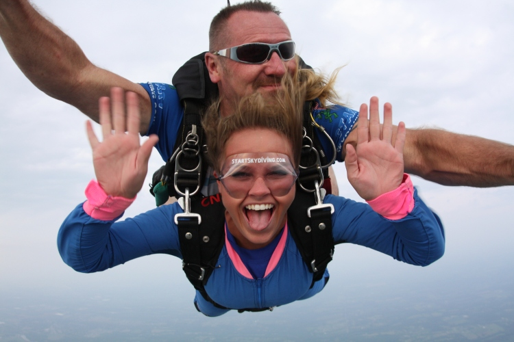 Ashley Oesch at Start Skydiving